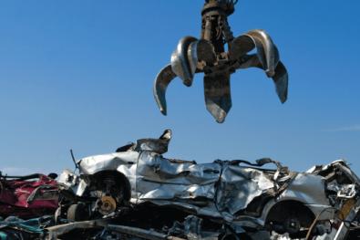 crane scrap cars