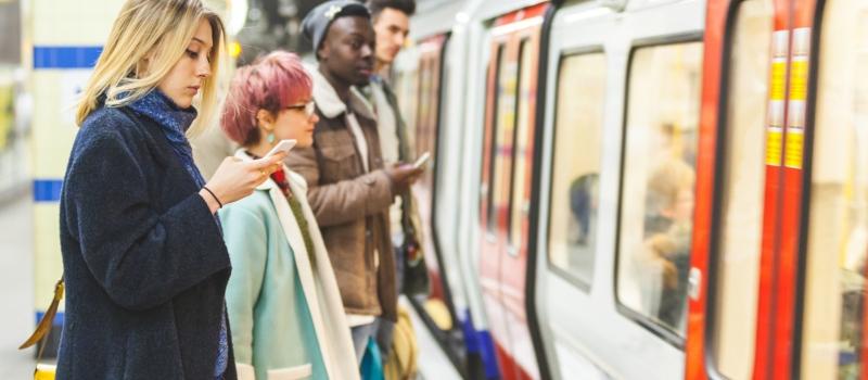 Train-Social-Media-SCN